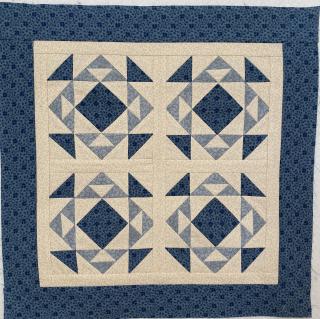 Blue mini quilt 2019