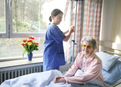 Patient_in_bed
